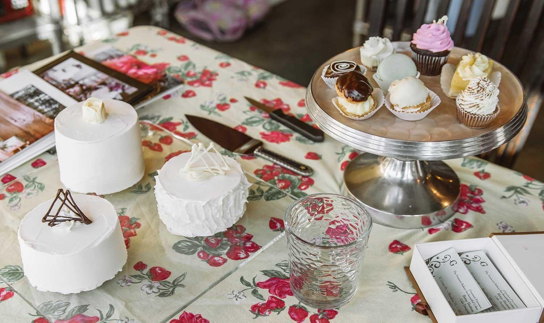 wedding-cake-tasting