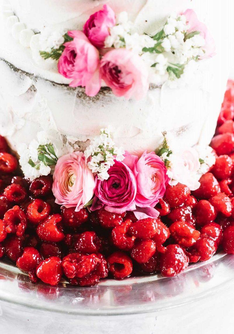 gourmet_white_raspberry_cake